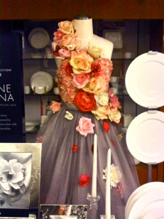 Bone China Bridal Statement Roses Registry Candle Petals