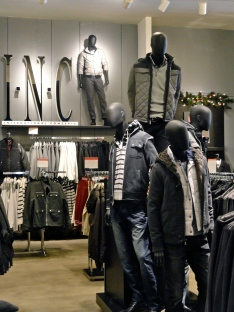 Cedric Wright, INC Men's Fashion Display Winter Clothing Store Visual Merchandising Merchandiser Macy's Sherman Oaks California Hollywood LA Los Angeles Outerwear